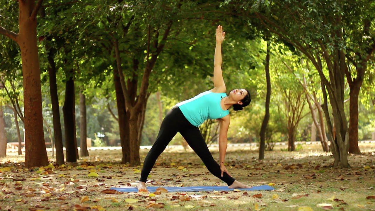 How to do the Triangle pose or Trikonasana & its benefits ...
