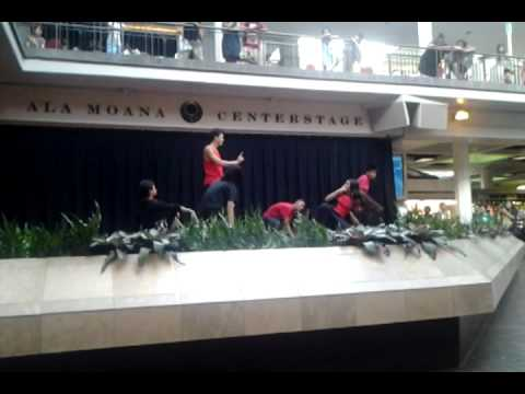 Patrick Sagisi performed at Ala Moana Center