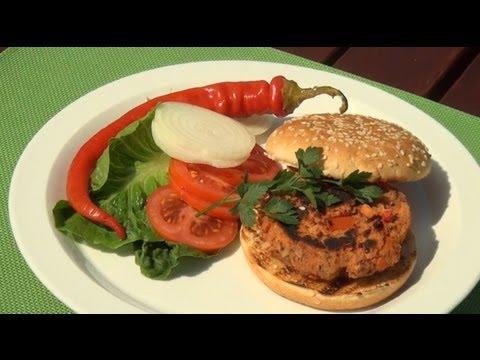 Burger z fazolí, rajčat a paprik