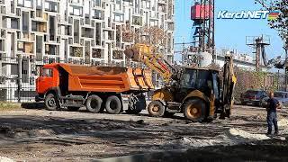 Керчь: ремонт сквера у морского вокзала