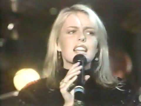 EIGHTH WONDER - STAY WITH ME(LIVE 1986)