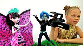 Блонди Локс снимается в кино про принцесс. Куклы Хай