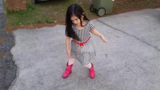 BEAUTIFUL YOUNG GIRL DANCING KID DANCING THE DANCER