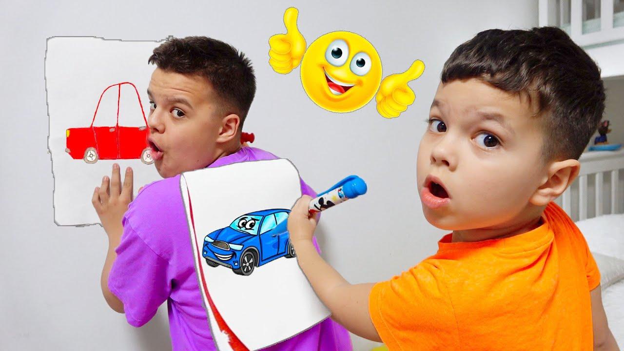 Егорка учится рисовать