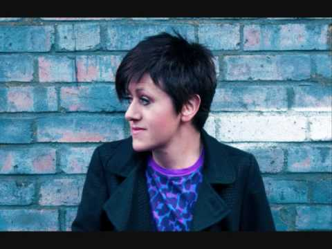 Клип Tracey Thorn - Why Does the Wind?