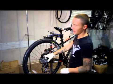 Консервируем велосипед на зиму: спускаем колеса, натираем раму, моем цепь и храним в квартире