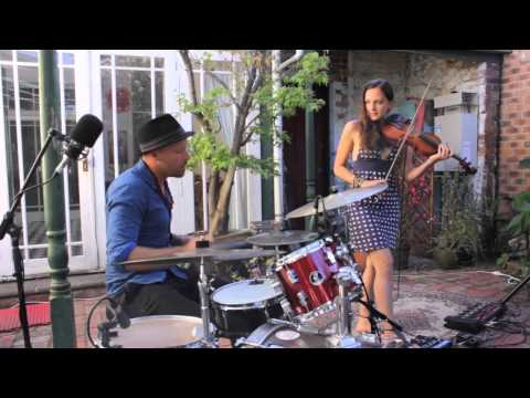 Amazing violin and drums duo cover the presets