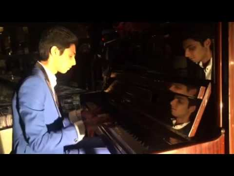 Thangamey Piano Jam at 'Avalukena' shoot | Anirudh