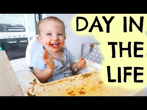 TESTING OUT BABY FOOD      FAMILY DAY IN THE LIFE AD