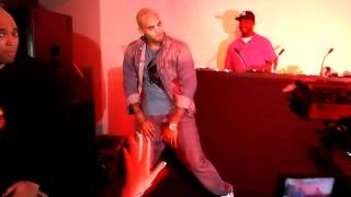 "Chris Brown Dancing to ""Teach Me How To Dougie"""