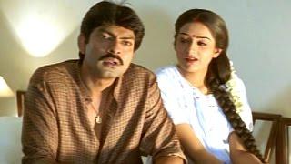 Video Manoharam Movie || Laya & Jagapati Babu Love Scene || Jagapati Babu, Laya download MP3, 3GP, MP4, WEBM, AVI, FLV Agustus 2017