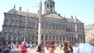 уличный брейк-данс на площади Дам, г.Амстердам