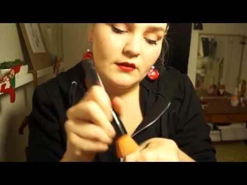 12 Days of ASMR // Makeup Artist Roleplay: Christmas Makeup