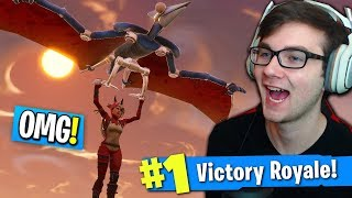 """DINOSAURS TAKE OVER FORTNITE! (NEW """"Pterodactyl"""" Glider IS AMAZING!)"""