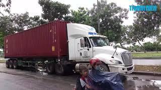 Cô gái 19 tuổi bị xe container cán chết trên đường Nguyễn Văn Linh