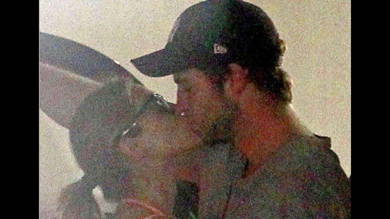 Liam Hemsworth Kisses Eiza Gonzalez After Miley Break-Up ...