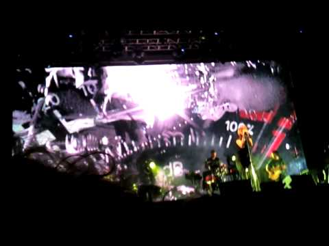 Portishead - Nylon Smile (Live a Verona)