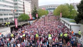 Wembley Way - West Ham - Bubbles