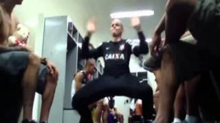 Gaiola dos Travecos - jogadores do Corinthians dançam Elas Estão Descontroladas
