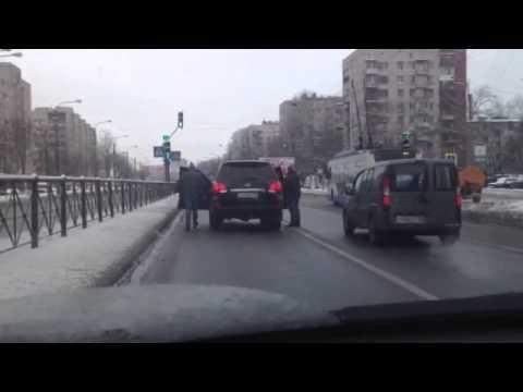 Дорожные войны. СПб ул. Народная.