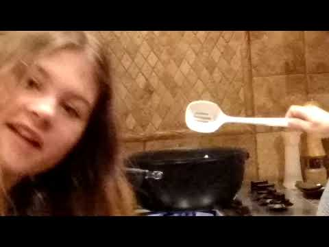 Cooking with my mom!!!(LASAGNA)