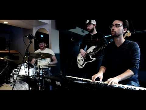 Raven Sessions: Radiohead  Subterranean Homesick Alien