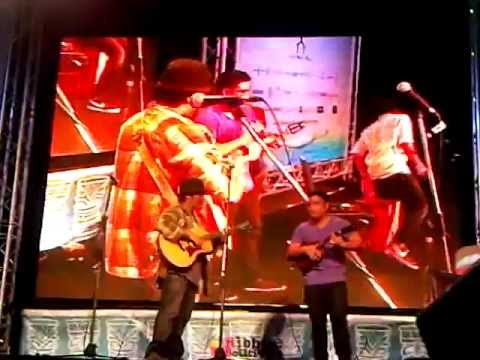 (The Surfaris) Wipe Out by Aldrine G., Chris S. and Kalei G. at Thailand Ukulele Festival 2012