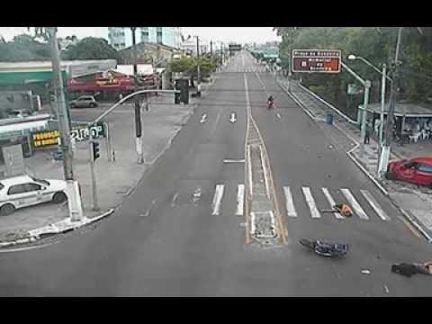 Acidente violento na Barão de Maruim com Hermes Fontes em Aracaju ... f094b7b988