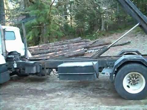 1979 IH Cargostar 1950- B Roll off/ Dumpster truck