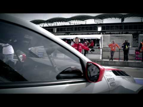 Yvan Muller invincible at the Hungaroring - Citroën WTCC 2014