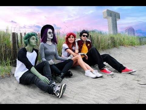 c6889c1f40f260 TEEN TITANS GO TO THE BEACH! Cosplay Inspired by Gabriel Picolo ...