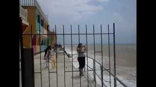 Ураган и шторм 24 06 2012 Николаевка Крым(Ужасный шторм в Николаевке 24 июня 2012 года. Разыгрался в считанные минуты. Я начал снимать минут через 15 посл..., 2012-11-25T12:45:54.000Z)