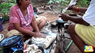 Приготовление в Индии национального блюда - Чапати на костре. В режиме life.(На ваших глазах происходит удивительное действие - приготовление индийского национального блюда - чапати..., 2015-07-05T15:47:36.000Z)