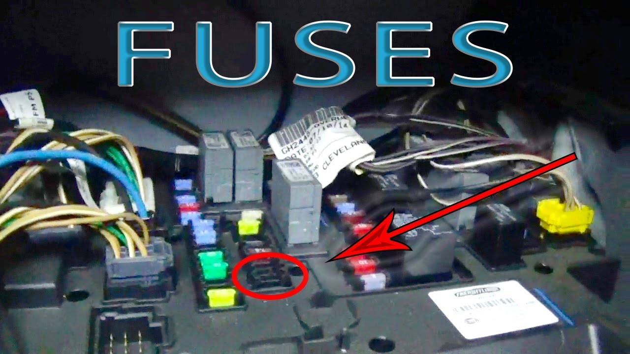 Tips For Rookies | FREIGHTLINER CASCADIA FUSES - YouTubeYouTube