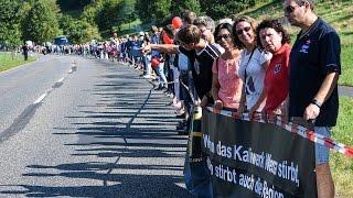Hand in Hand für die Kaliindustrie -  Über 12.000 bei Menschenkette