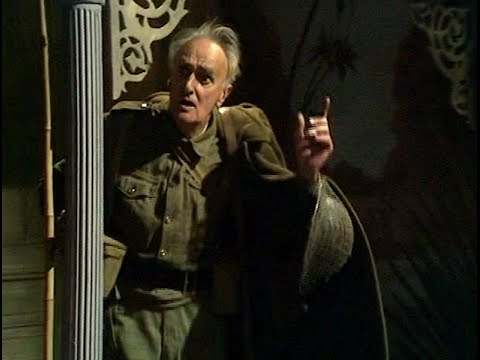 Dad's Army - Menace from the Deep - NL Ondertiteld - ... listen!... what's that sound?...