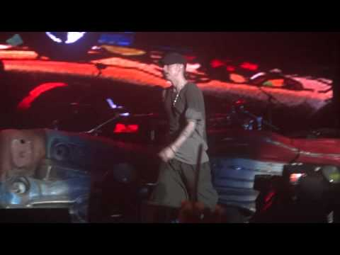 Eminem Live in Korea - I need a doctor My Name Is Next Episode