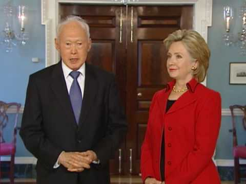 Secretary Clinton Meets with Singapore Minister Mentor Lee Kuan Yew