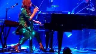 Tori Amos & Apollon Musagete Quartett - Star Whisperer (Amsterdam, NL 2011-10-17)
