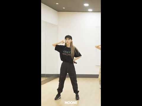 Download 마마무 MAMAMOO | 문별 Moonbyul - gogobebe Japanese Ver. 세로 안무 Vertical Dance Practice Mp4 baru