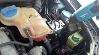 видео Как произвести замену тормозной жидкости с абс
