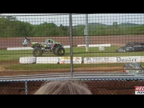 Bad News Travels Fast Monster truck freestyle at Lernerville Speedway