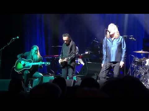 Robert Plant - That's The Way - Live at...