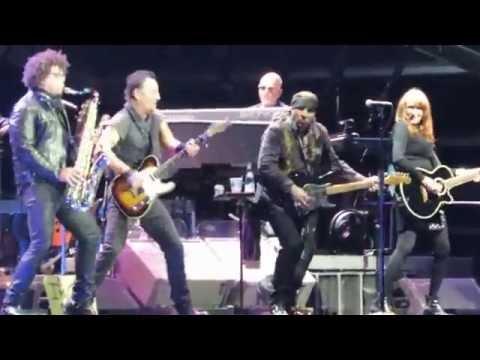 Bruce Springsteen  Im Going Down   in Barcelona 2016