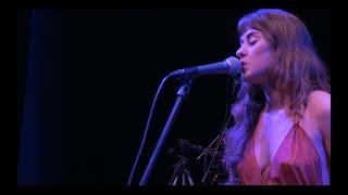 Sinedades | Hermosa y Confundida  - LIVE