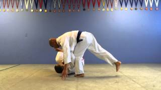 1,000 Jiu-Jitsu Techniques- Osoto Gari against bracing opponent