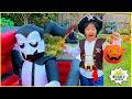 Ryan Pretend Play Halloween Trick Or Treat!