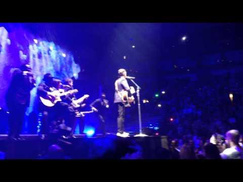 "Justin Timberlake 20/20 Experience World Tour, St. Louis, November 19, 2013- ""Drink You Away"""