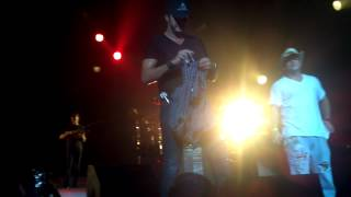 Luke Bryan- Country Girl (Shake It For Me) - Live