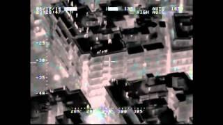 Εξάρχεια: Από τις ταράτσες πετούν μολότοφ και πέτρες στους αστυνομικούς